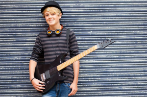 Teen_Boy_Guitar_Outside
